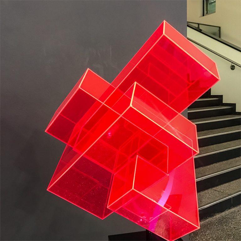 Skulptur-rot Treppe-IMG_1055-edited
